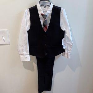 Boys suit set firm price